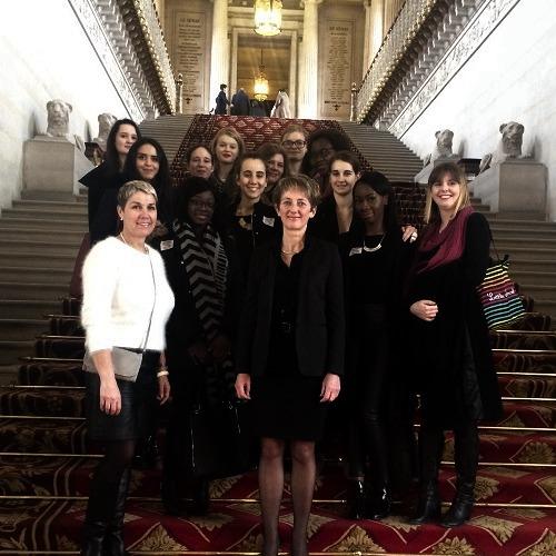 Photo de La Grande Famille visite le Sénat