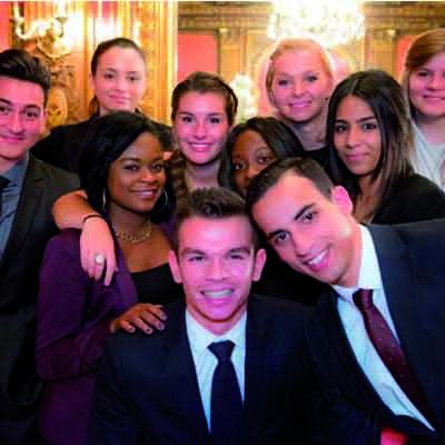 Photo de Cérémonie de Remise de Prix de La Grande Famille : la vidéo !